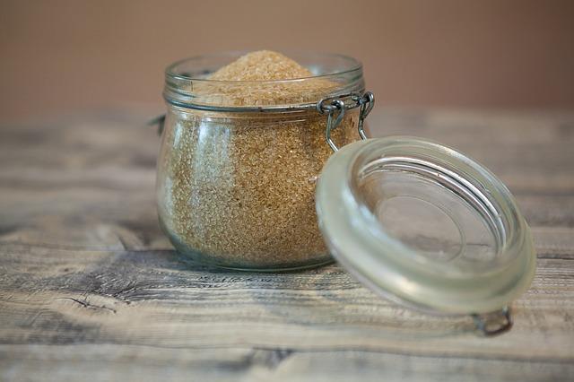 Brauner Zucker in Dose