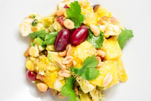 sommerlicher-mango-trauben-avocadosalat-aus-myanmar-5