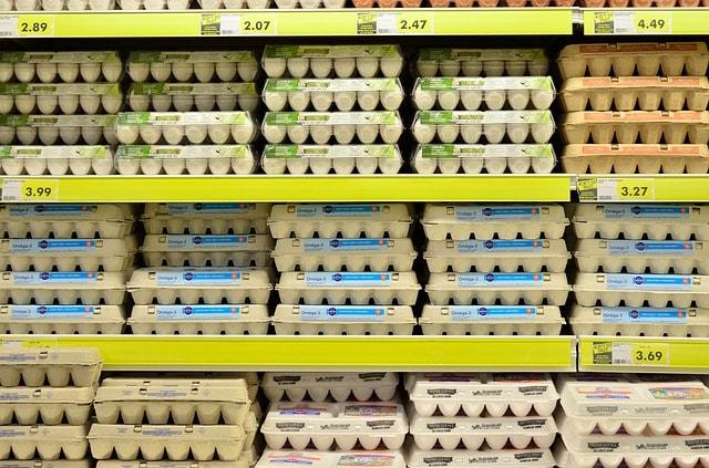 Kannst du zu viele Eier essen? Wie viele sind zu viele? Sind Eier gesund oder Cholesterinbomben?
